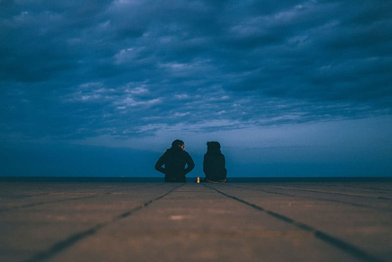 couple tout seul et parler