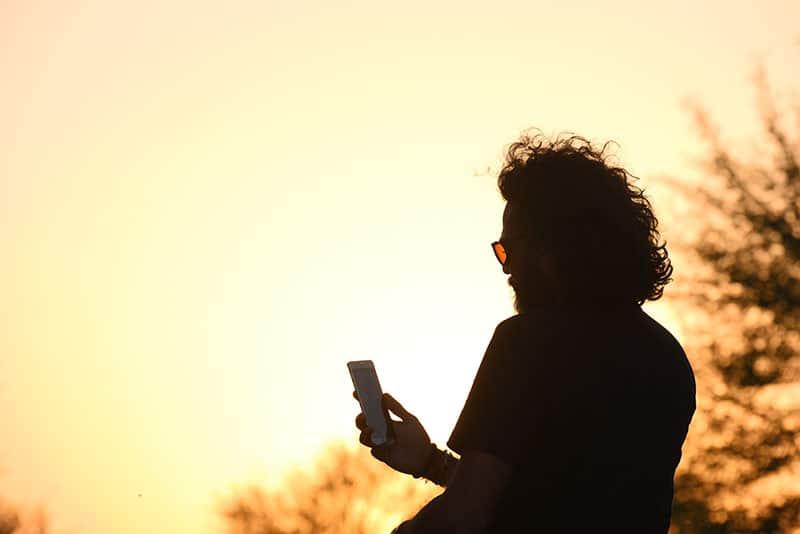 silhouette d'homme textos