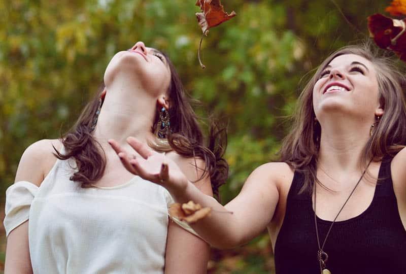 10 Raisons Pour Avoir Un Ami Brutalement Honnête Dans La Vie