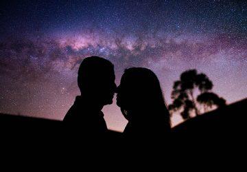 silhouette, jeune, couple, clair, ciel, nuit