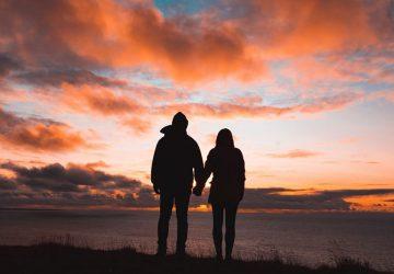silhouette, jeune, couple, tenue, mains