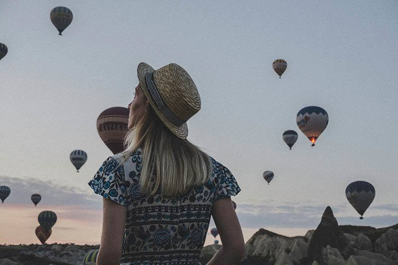 jeune femme, tourisme