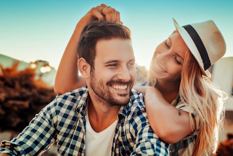 9 Types De Femmes Dont Les Hommes Tombent Follement Amoureux ( En Faites-vous Partie ?)