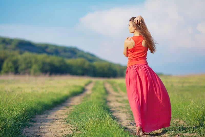 Ne Revenez Pas En Arrière Vers Votre Ex - Tournez-lui Les Talons Et Laissez Le Voir Ce Qu'il A Perdu