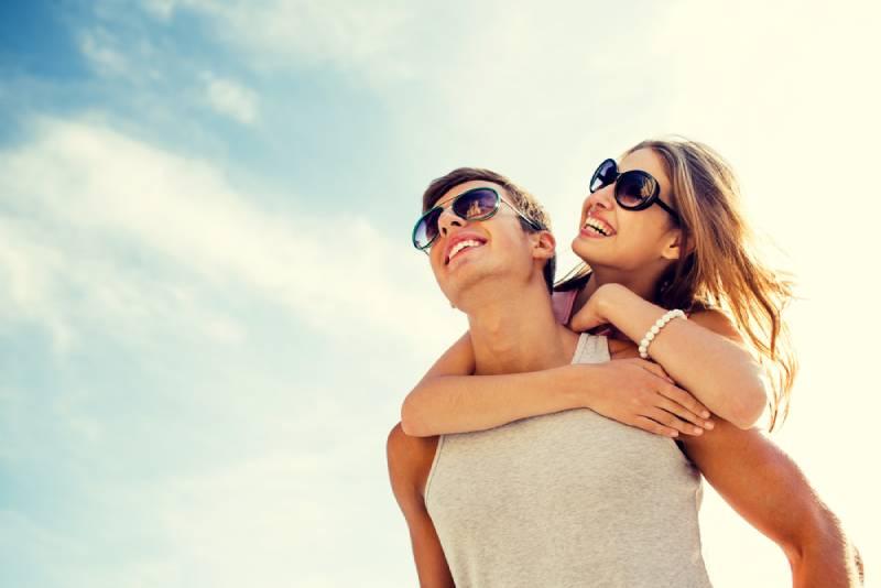Quels sont les signes d'attirance d'un homme pour une femme ?