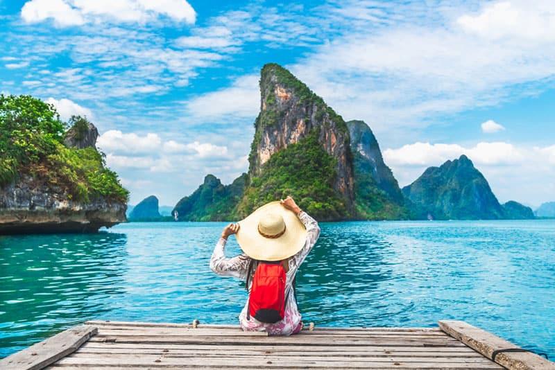 femme, à, grand chapeau, par, les, énorme, lac