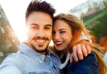 couple romantique heureux