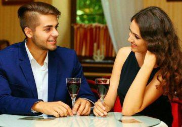 couple ayant un rendez-vous au restaurant