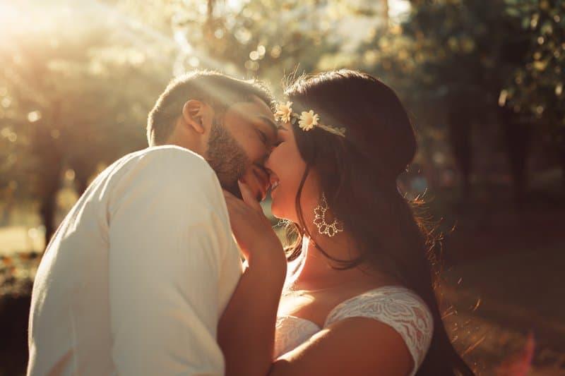 Idées Romantiques Pour Conquérir Son Partenaire (En Fonction Des Signes Astrologiques)
