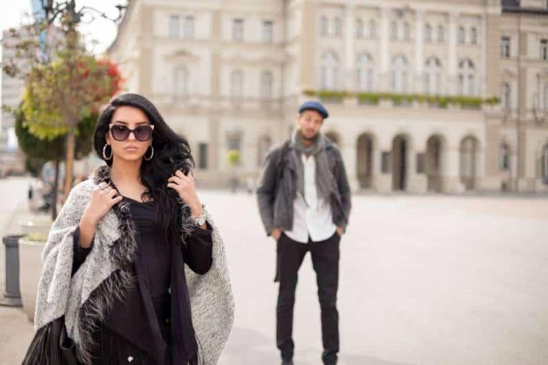 Il Est En Couple Mais Me Cherche : Le Jeu De Séduction Hors Du Couple