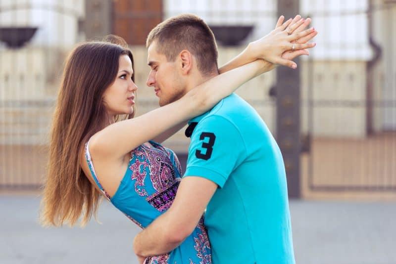 Les 4 Signes Du Zodiaque Qui Sont Les Meilleurs Au Flirt