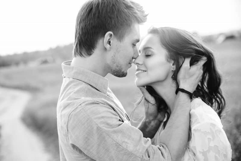 Le Besoin D'amour Est Un Besoin De Tous Les Êtres Humains