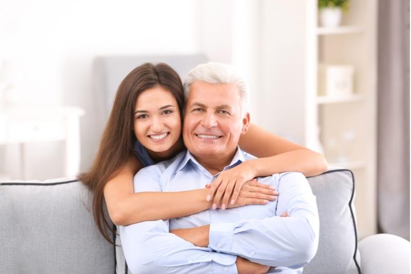 Homme mûr avec sa fille