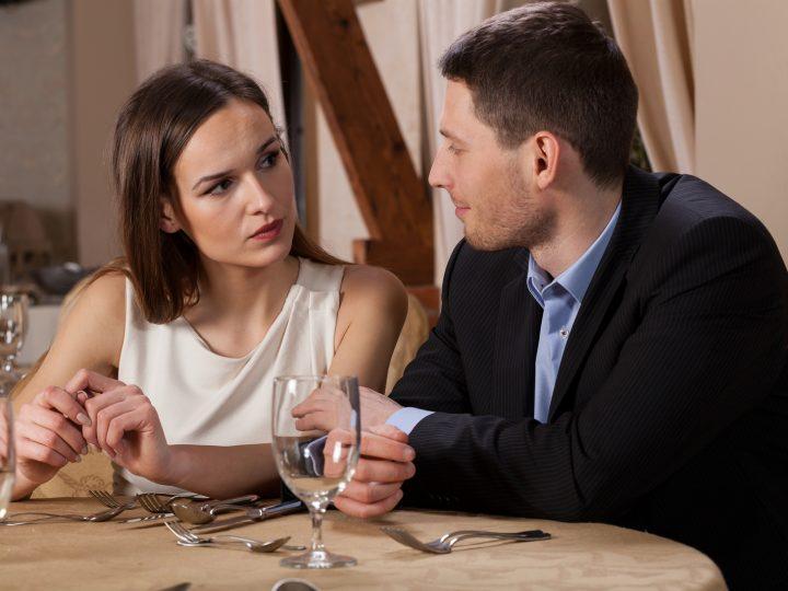 Pourquoi Une Femme Prend Ses Distances Dans Une Relation ?