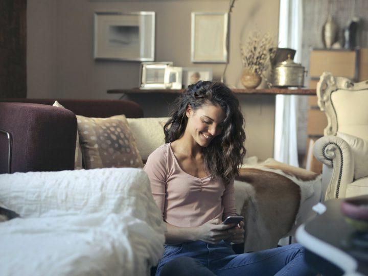 Les Jeux De Couple Par SMS: Vous Préférez Sexy Ou Amusant ?