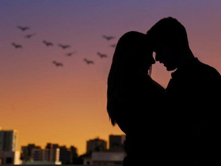 Poème Tu Me Manques : Les Plus Beaux Messages D'Amour Pour Exprimer Son Manque