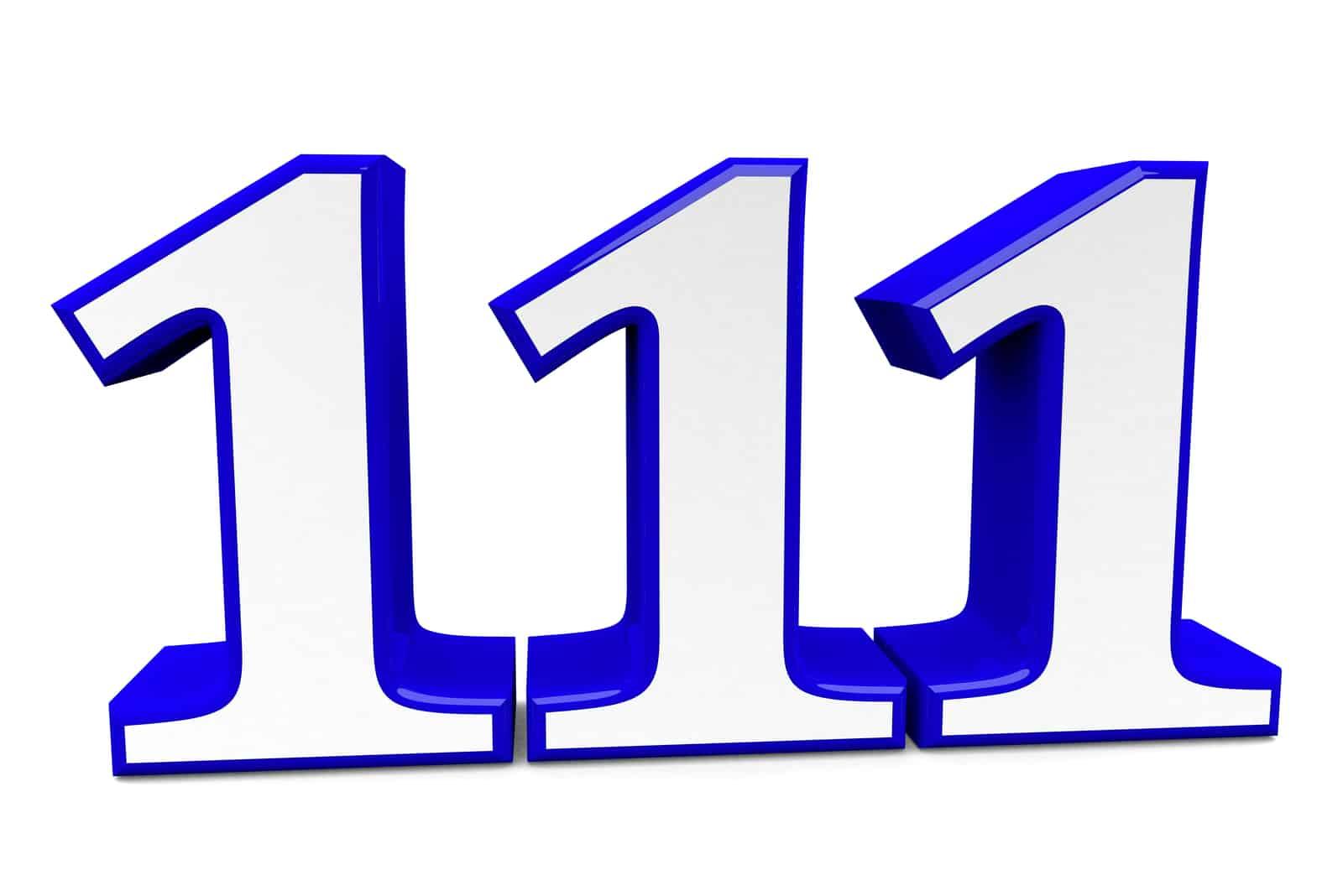 grands nombres 111 sur fond blanc